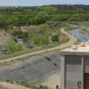 Great Cut Pumping Plant. At right, the Dove Creek Canal. Left, the Lone Pine Lateral